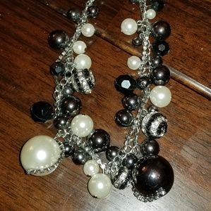 Black bead white pearl necklace